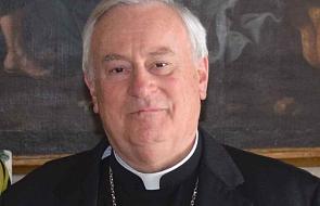 Kard. Bassetti: przyjmując migrantów, wybieramy Jezusa i bronimy życia