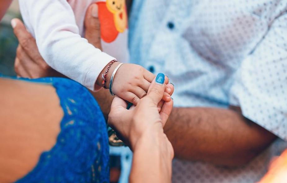 Watykan za szczepionkami. Papieska komisja prosi rodziców o szczepienie dzieci