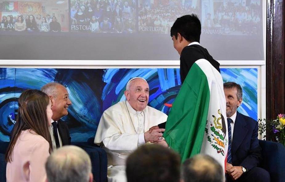 Papież Franciszek: życie bez pasji jest jak makaron bez soli