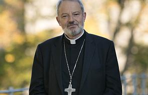 """Biskup zdecydowanie krytykuje grupę """"przepełnionych wiarą"""" katolików za ich postawę"""
