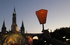 Kryzys dewocjonaliowy w Lourdes. Miasto idzie na wojnę z handlarzami