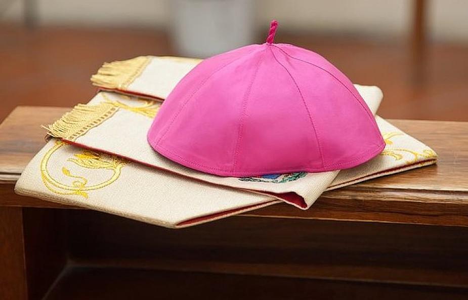 Chilijski episkopat podał się do dymisji po głośnej sprawie tego księdza. Teraz musi wypłacić ofiarom olbrzymie odszkodowanie