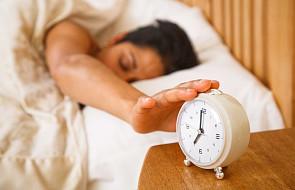 """Psychiatra o zdrowotnych konsekwencjach zmiany czasu. """"Cierpią osoby chore, z zaburzeniami snu oraz dzieci"""""""