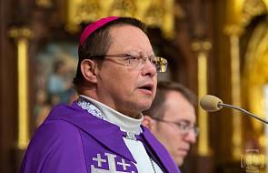 """Arcybiskup Ryś przeprosił osoby wykorzystywane seksualnie przez księży. """"To jest o 10 osób za dużo"""""""