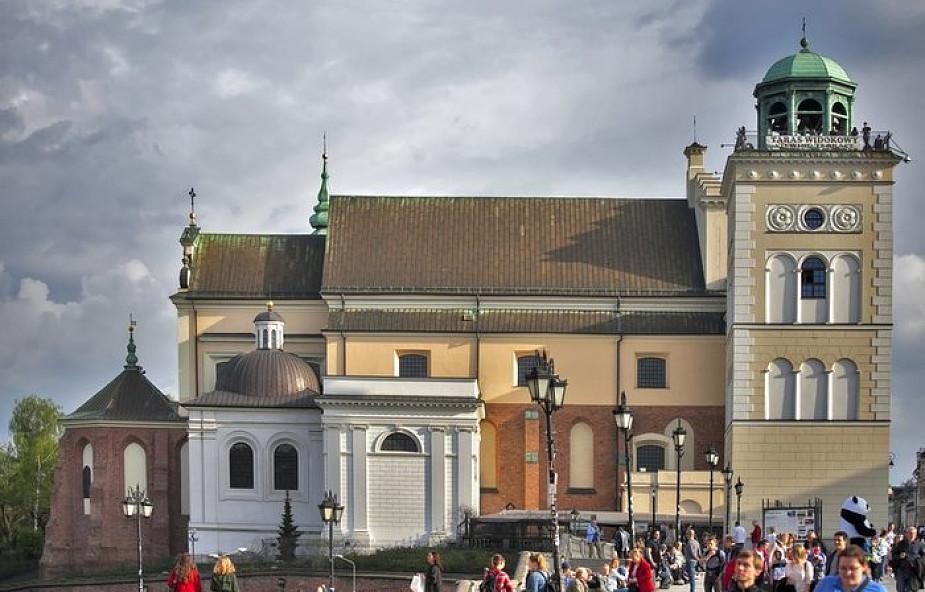 """Warszawa: Fundacja """"Nie lękajcie się"""" pikietowała przeciw ukrywaniu pedofilii"""