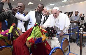 Papież na spotkaniu z migrantami: każda osoba ma prawo do przyszłości