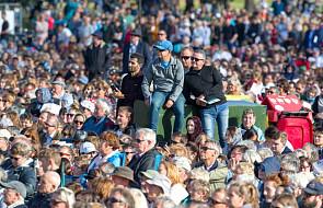 """Ludzkość zwycięży """"diabelski krąg ekstremizmu"""". Nowa Zelandia uczciła pamięć ofiar zamachu w Christchurch"""