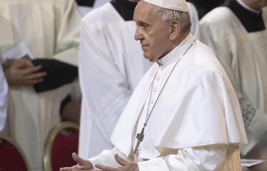 Papież w Środę Popielcową: - trzeba uwolnić się od macek konsumizmu