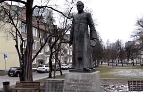 Radni Gdańska przegłosowali usunięcie pomnika ks. Jankowskiego, zmianę nazwy skweru i odebranie mu honorowego obywatelstwa