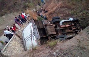 Meksyk: wypadek ciężarówki z migrantami, zginęło co najmniej 25 osób