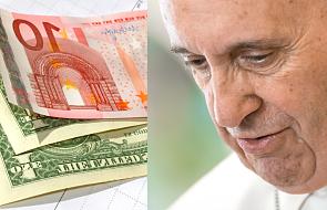 Ile pieniędzy zarabia papież? Jaką wypłatę dostają kardynałowie?