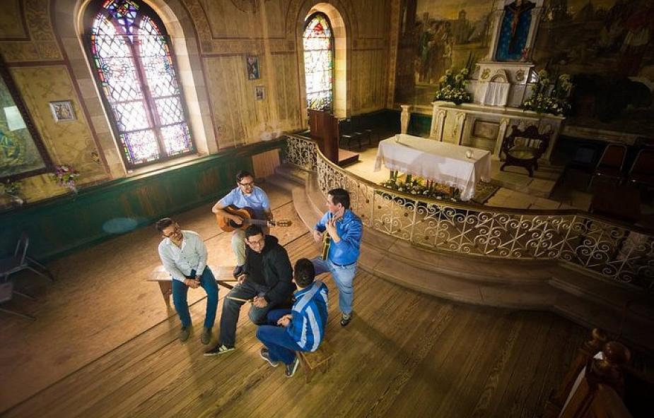 Hiszpania: połowa ludzi młodych deklaruje się jako niewierzący