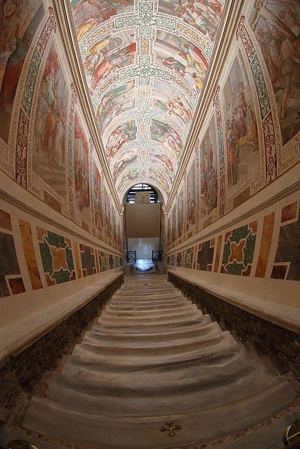 Odsłonięto święte schody, po których miał iść Jezus, udając się na śmierć [FOTO] - zdjęcie w treści artykułu