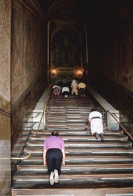 Odsłonięto święte schody, po których miał iść Jezus, udając się na śmierć [FOTO] - zdjęcie w treści artykułu nr 4