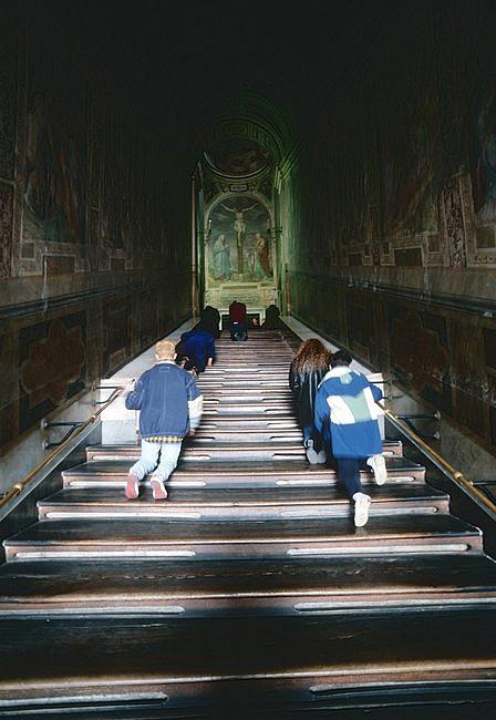 Odsłonięto święte schody, po których miał iść Jezus, udając się na śmierć [FOTO] - zdjęcie w treści artykułu nr 5