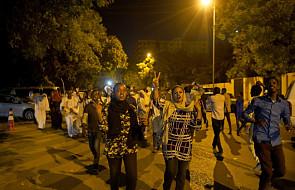 Sudan: nowy szef Rady Wojskowej uchylił godzinę policyjną