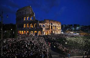 """Włochy: Koloseum ma nowe oświetlenie. """"Amfiteatr Flawiuszów nigdy nie był oświetlony w tak wyjątkowy sposób"""""""