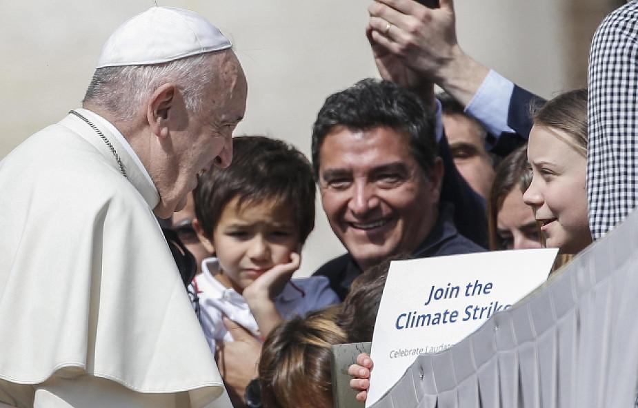 Papież Franciszek spotkał się z 16-letnią Gretą Thunberg. Aktywistka miała ze sobą transparent