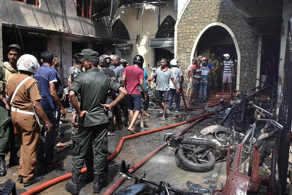 Eksplozja w trzech kościołach w czasie mszy świętej i trzech hotelach. Zabitych już ok. 200 osób [AKTUALIZACJA] - zdjęcie w treści artykułu nr 2