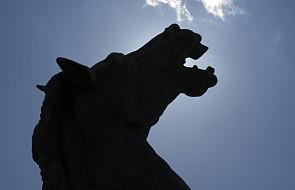 Zmartwychwstanie Pańskie głoszone... z końskiego grzbietu. Zwyczaj pochodzi z czasów przedchrześcijańskich