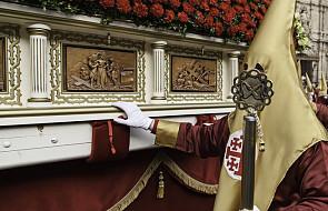 """""""Procesja Spotkania"""" to jedna z najciekawszych tradycji wielkanocnych Hiszpanii. Opiera się na zwyczajowym przekazie"""
