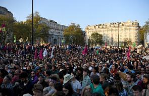 Wielka Brytania: policja zatrzymała 963 uczestników protestów klimatycznych
