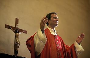Jak zaakceptować nowego księdza w parafii?