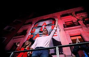 Hiszpania: socjaliści wygrali wybory parlamentarne. Frekwencja przekroczyła 73 procent