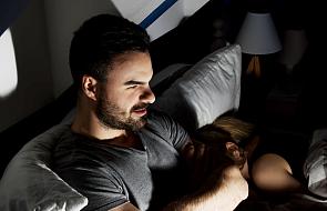 Pornografia grozi nie tylko oglądającym. Wpływa też na zdrowie ich partnerek. Szokujące wyniki badań