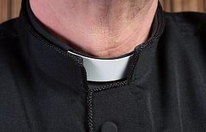 Uścisk dłoni - tak, pocałunek - nie. Archidiecezja Łódzka wprowadziła wytyczne dla duchownych