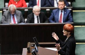 """Sejm uchwalił ustawę o świadczeniu """"Emerytura plus"""". Większość zostanie wypłacona wraz z majową emeryturą lub rentą"""