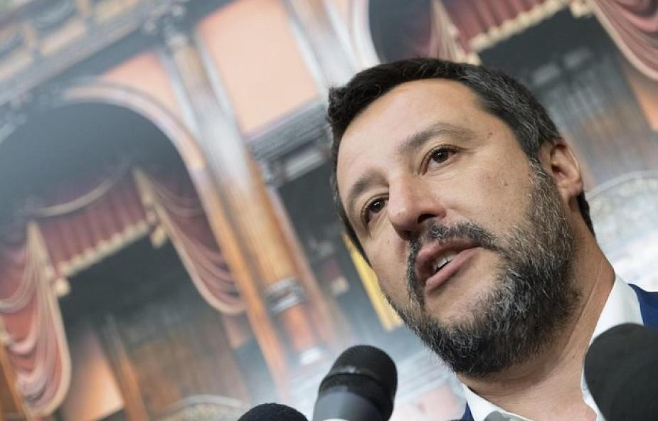"""Włochy: do dowodów osób niepełnoletnich wróci formuła """"matka"""" i """"ojciec"""" zamiast """"rodzic"""" i """"rodzic"""""""