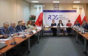 Rozpoczęło się spotkanie rządu i związków o sytuacji w oświacie