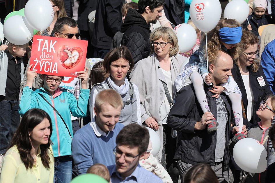 Kard. Nycz podczas XV Marszu Świętości Życia: życie zawsze jest święte - zdjęcie w treści artykułu nr 1