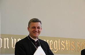 Bp Pindel: jak współczesny Kościół wyprowadza nas z niewoli?