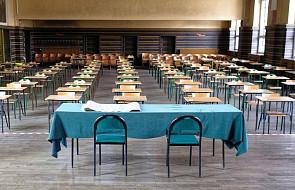 """MEN: zgłosiło się kilka tysięcy osób z kwalifikacjami pedagogicznymi do pomocy w egzaminach. """"Czekają w gotowości"""""""