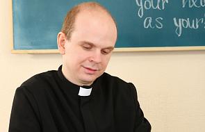 """Czy Kościół """"załatwił"""" podwyżki dla katechetów? Jest oświadczenie Episkopatu"""