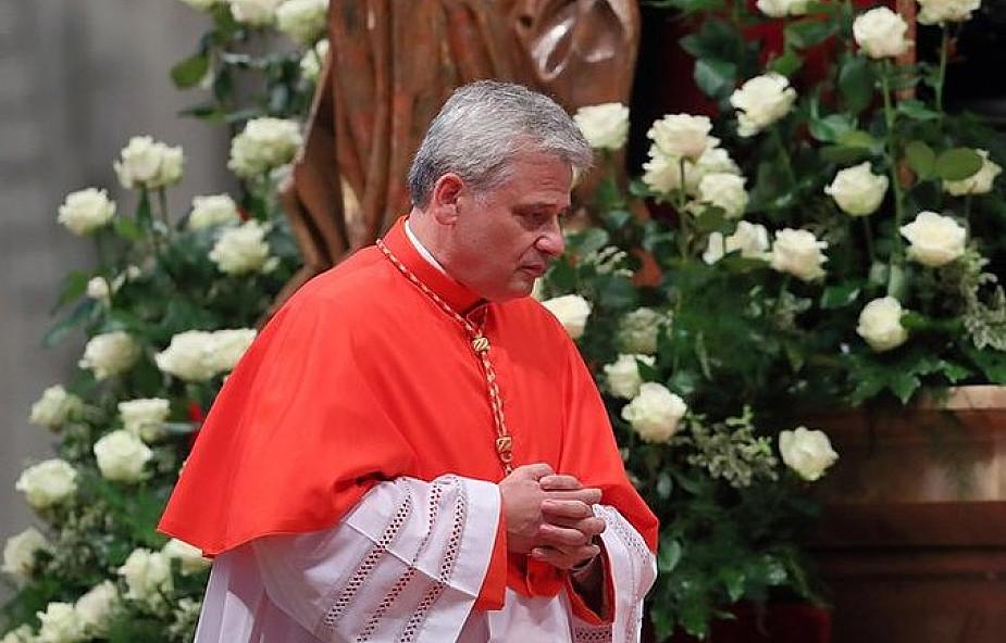 Kard. Krajewski przekazał 100 tys. euro od papieża dla Caritas