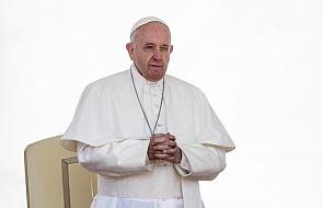"""Papież w rozmowie z siostrami zakonnymi: """"nie po to stałaś się zakonnicą, aby być służącą księdza"""""""