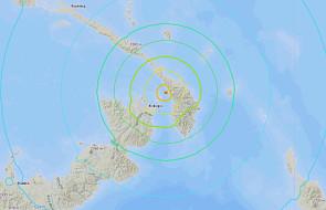 Trzęsienie ziemi w Papui-Nowej Gwinei; alert przed tsunami