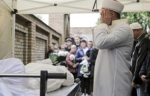 Warszawa: na cmentarzu muzułmańskim odbył się pogrzeb zamordowanego 16-latka. Imam poprosił o zachowanie spokoju
