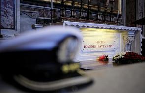 Delegacja władz RP na mszy przy grobie św. Jana Pawła II