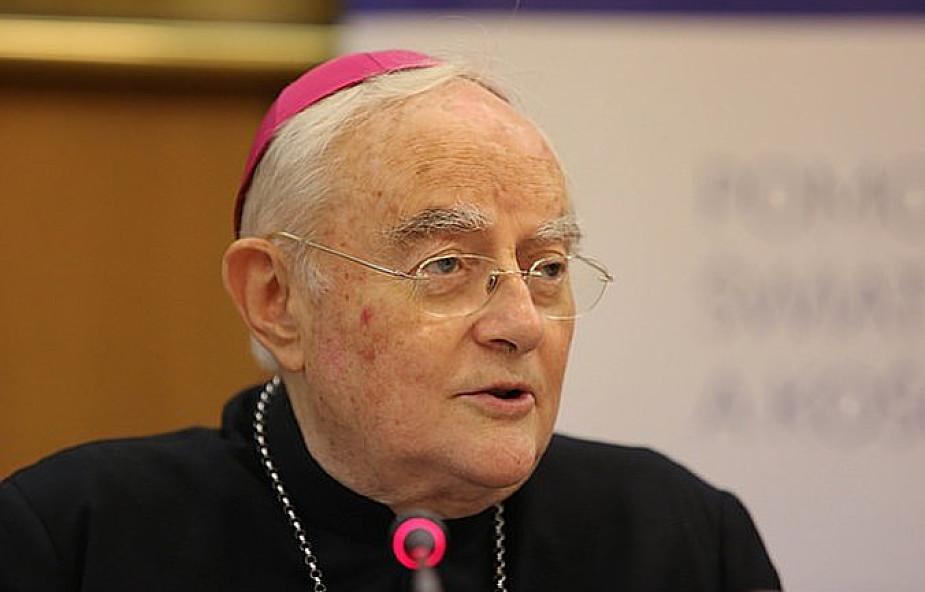 Abp Hoser: nie wierzymy w Kościół grzeszników, ale Jeden, Święty i Apostolski