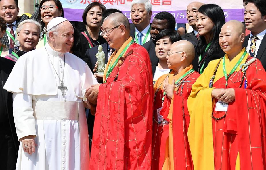 """""""Pokój zawsze jest możliwy!"""" Papież wzywa do budowy społeczeństwa opartego na braterstwie"""