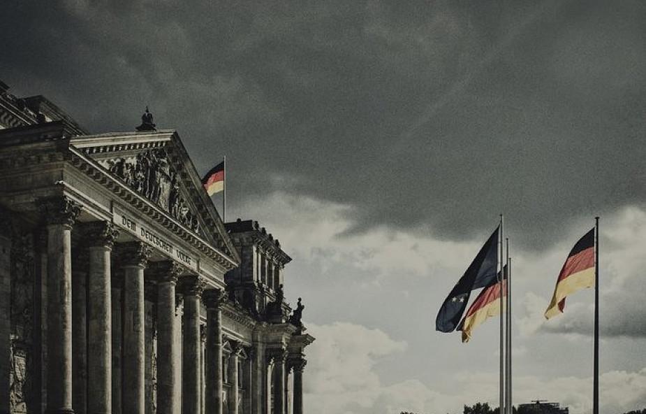 Sondaż: Niemcy uważają islam, patriotyzm i migrację za temat tabu