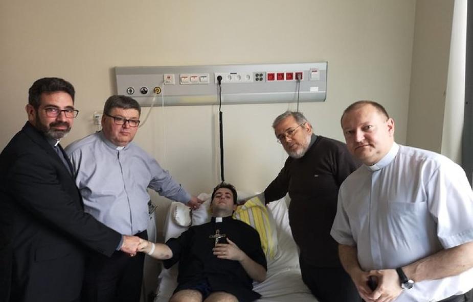 Kleryk w ciężkim stanie przyjął święcenia. To było jego największe marzenie