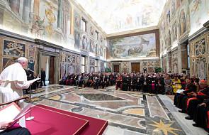 """Papież zaapelował do pracowników Caritas, aby nawiązywali relacje z ubogimi. """"Nie jesteście agencją"""""""