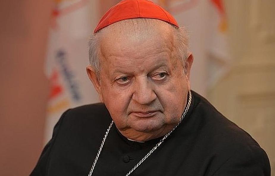 Czy w polskim Kościele powinno dojść do dymisji biskupów? Kard. Dziwisz zabrał głos