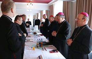 Biskupi omówili projekt funduszu solidarnościowego dla poszkodowanych przez duchownych