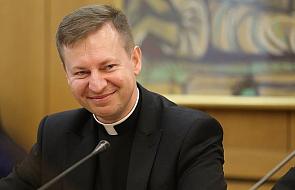 """""""To Słowo Boże, w którym znajdujemy odpowiedzi na wiele pytań i dylematów"""". Biskupi zachęcają do czytania Biblii"""